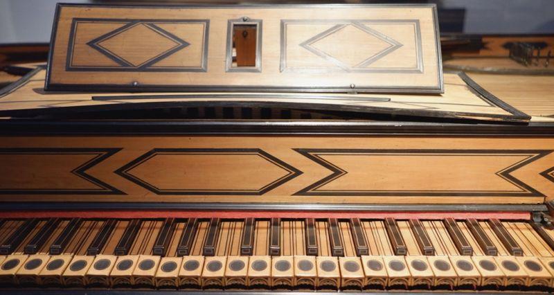 Bartolomeo Cristofori's early piano